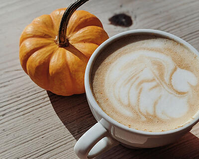 Blog Integrated marketing strategy example - PSL latte example