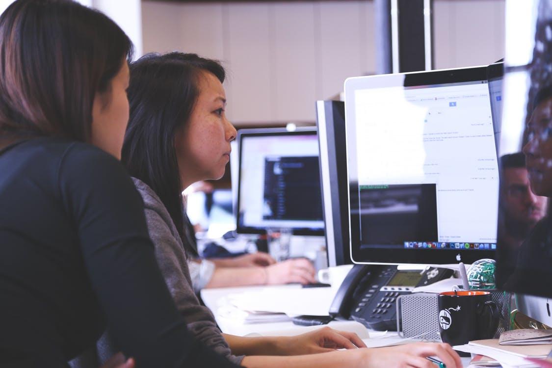image header students taking online lessons